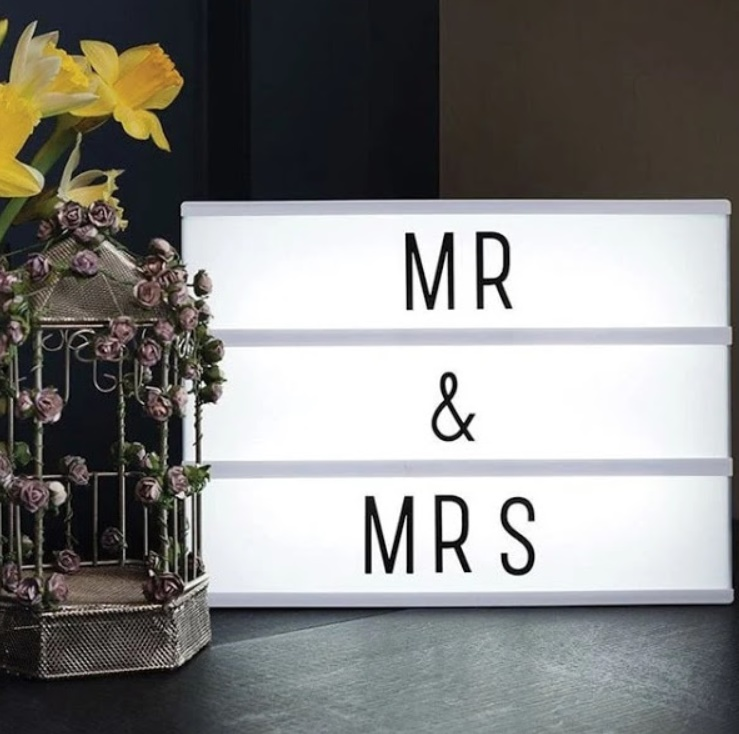 Caseta luminoasa LED, 100 literesimboluri, 31 x 5 x 22,5 cm