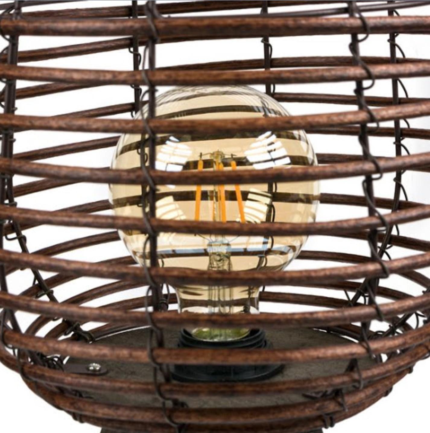 Lampa decorativa din lemn, pentru podea, 3 picioare, 24x59 cm