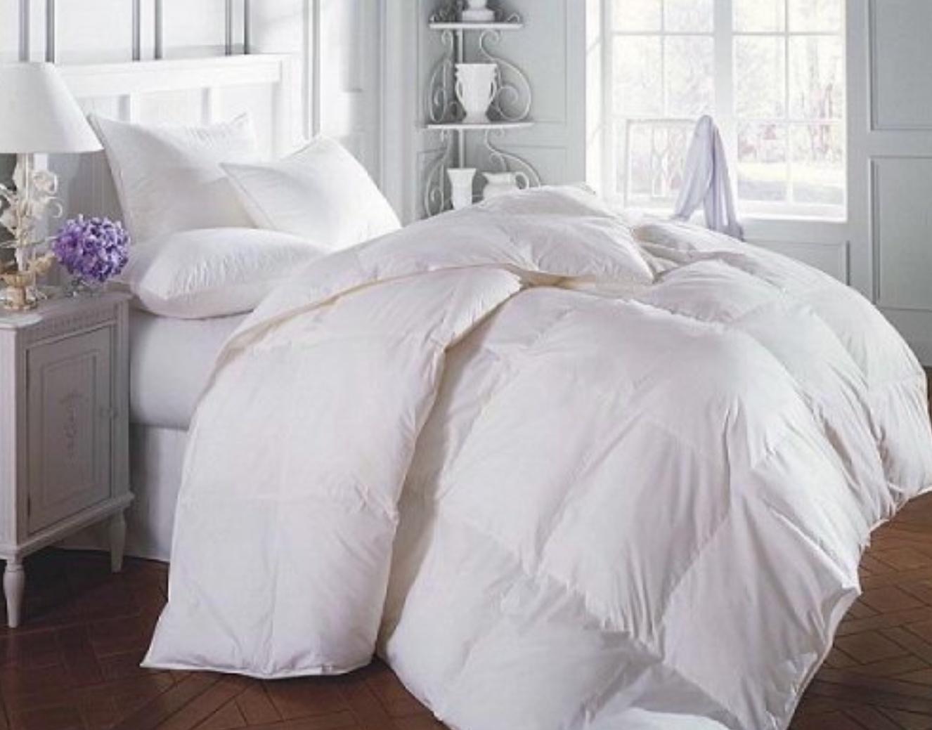 Set complet pentru dormitor: Pilota 2 persoane puf siliconat + 2 perne 50 x 70 cm